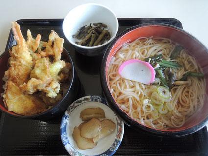 昼食は上の辰子像看板も設置してある田沢湖共栄パレス内のレストランにて稲庭うどんを頂きました!