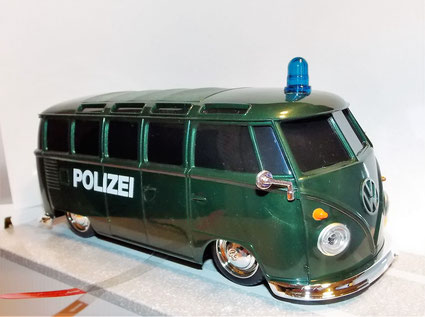 VW Bulli Einsatzfahrzeug, Polizei,Feuerwehr,Krankenwagen, Ferngesteuert