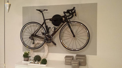 Wandhalter Wandmontage Halterung Fahrrad Rennrad Holz mit Beleuchtung LED Bike wall mount Karbon Carbon Rose schwarz
