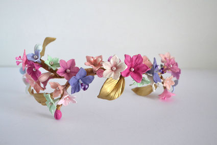 corona de porcelana, flores de porcelana, corona de novia,