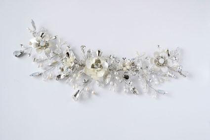 Tocado de novia, aplique de novia, corona de metal, tocado de flores, tocado cristales.