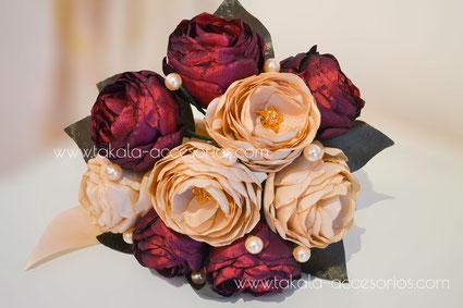 ramo novia artesanal, peonias de tela, flores de tela, ramo de tela