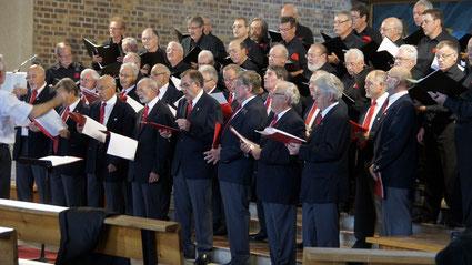 Les deux choeurs interprêtant le Choeur des Esclaves, Nabuccho de Verdi