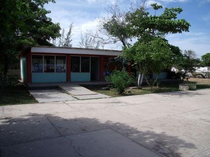 Schulgebäude des Sonderschulzentrums in Juchitan, Mexiko
