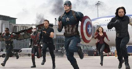Team Cap unter anderem mit der mächtigen Scarlet Witch... [Quelle: Disney/Marvel]