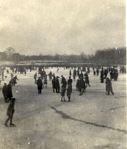 Schlittschuhlaufen auf dem Aasee 1931