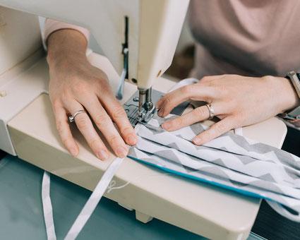 Modische Mundbedeckung Corona Qualitäts BMNS-Maske Feld Textil GmbH Krefeld