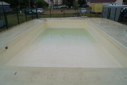Piscine de Condé-en-Brie : le bassin se remplit doucement mais sûrement...