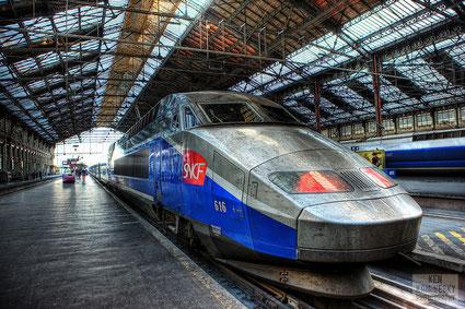 TGV en gare d'Austerlitz - photo de Ken Kaminesky (http://kenkaminesky.photoshelter.com)