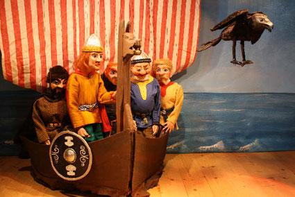 Marionettentheater Märchen an Fäden - Leif Eriksson segelt nach Vinland.
