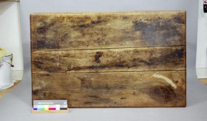Vorzustand | Beriebene und abgenutzte Oberfläche der Tischplatte