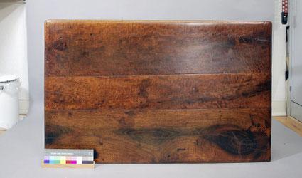 Endzustand | Tischplatte in gereinigtem, retuschierten und regenerierten Zustand