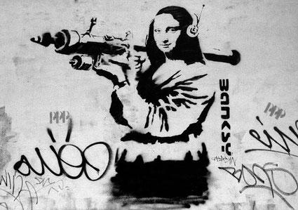 banksy-mona-lisa-bazooka.jpg