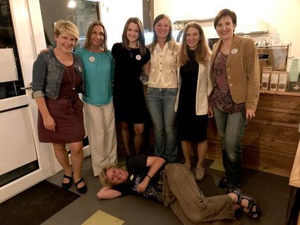 Edith, Sonja, Julia, Anja, Mira, Gaby und Petra