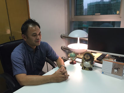 Tatsuya Ishigaki answering questions during an interview with Hakumon Herald.