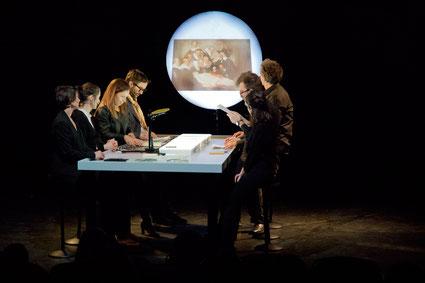 Centre Pompidou -Table ronde, un débat pluridisciplinaire avec des œuvres de Meghann Riepenhoff, dans un dispositif scénique expérimental
