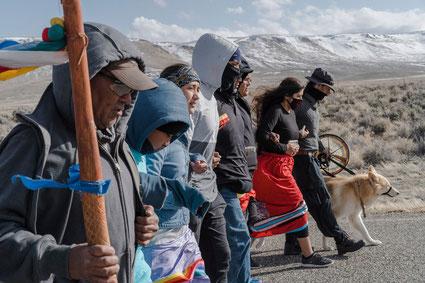 Marche de protestation d'Amerindiens dans le nord du Névada