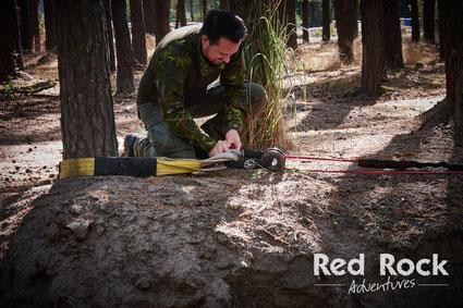 Beim Offroad Intensiv Training packen die Gäste selbst an! - Red Rock Adventures