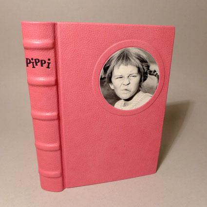 Pippi Langstrumpf Buch in Leder Gebunden geschrieben von Astrid Lindgren. Gesamtausgabe.