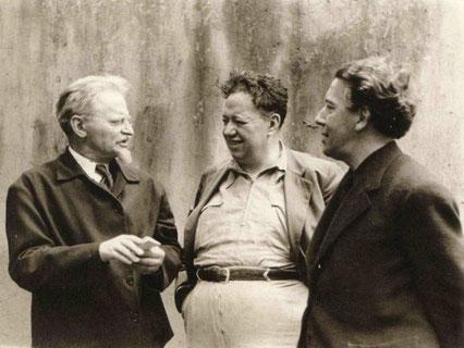 左からトロツキー、ディエゴ・リベラ、ブルトン。共産党を脱退しても、結局共産党系の人物と関わっているのは無意識か。
