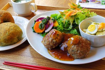 オーガニック野菜たっぷり日替わりランチ