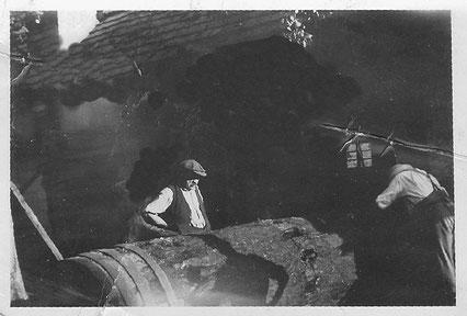 Um ca. 1920 herum wurde der Wellbaum gegen eine Stahlwelle ersetzt. Gut zu erkennen: die eingearbeiteten Nocken.