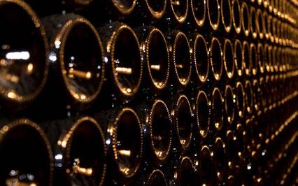 wine-international-delivery-guided-wine-tours-tastings-Loire-Valley-vineyard-Vouvray-Touraine-Tours-Amboise-Rendez-Vous-dans-les-Vignes-Myriam-Fouasse-Robert