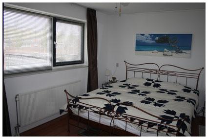 master bedroom voor
