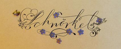 Kringel und Schwünge machen die Kalligraphie erst richtig chic