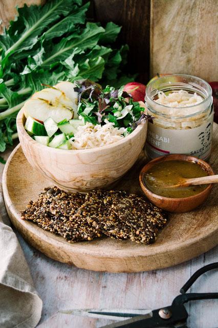 Veganes Bowl Rezept mit Wildkräutern und Ferment