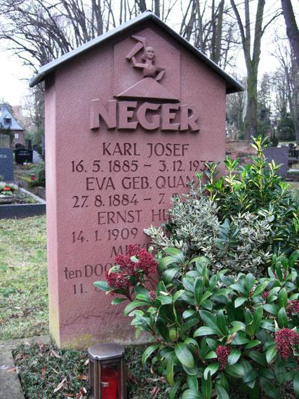Grab von Ernst Neger auf dem Mainzer Hauptfriedhof, (c)Evergreen68, Wikipedia