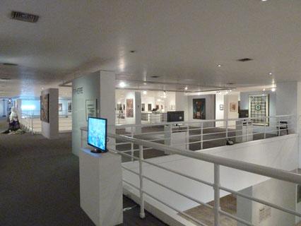 マニラ・メトロポリタン美術館「The Philippine Contemporary」展会場風景 (Photo Courtesy of Metropolitan Museum of Manila)