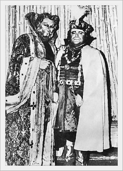 Grigorij (Il falso Dimitri) in Boris Godunov di Modest Musorgskij - con Nicola Rossi-Lemeni nel ruolo di Boris - Probabilmente a Como.