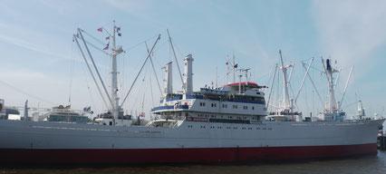 """Das Museumsschiff """"Cap San Diego""""  in Hamburg  Foto: Weil"""