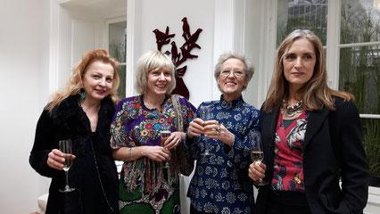 Foto von links nach rechts: Gudrun Kampl, Mari Otberg, Burgis Paier, Christy Astuy