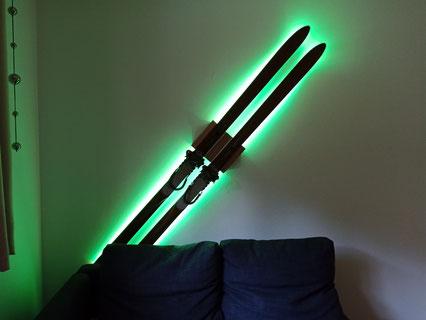 Wandhalterung Ski Halter Wand Montage wallmount LED Beleuchtung