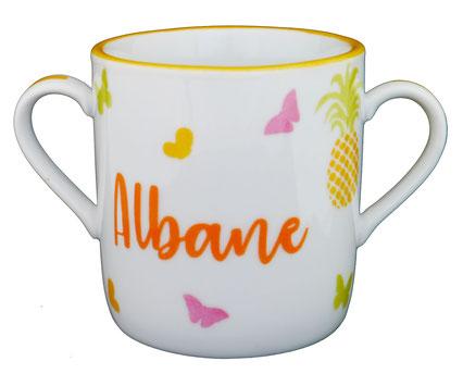 Tasse bébé en porcelaine avec un ananas