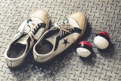 靴の踵ばかり減って腰痛に悩む女性
