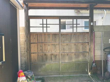 既存の木製門扉(内観)