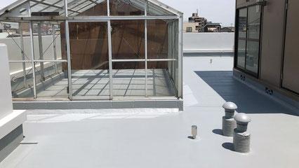志木市の集合住宅、屋上ウレタン防水通気緩衝工法完了の写真