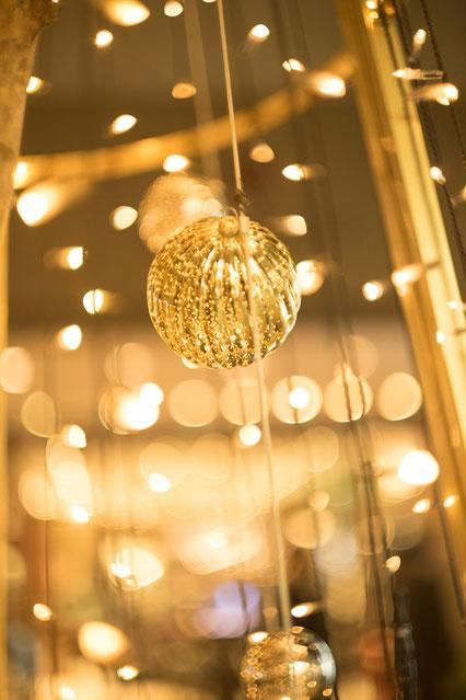 玉ボケが綺麗な光のオーナメントの写真