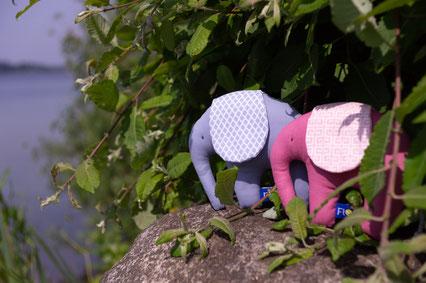 Rassel Greifling Babyspielzeug Taufgeschenk Elefant