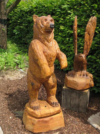 geschnitzter Bär