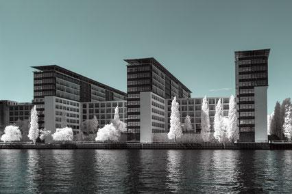 Architektur, architecture, Infrarot, Holger Nimtz, Infrared, Fotografie, Photography, Infrarotaufnahme, Berlin, Wood-Effekt, IR,