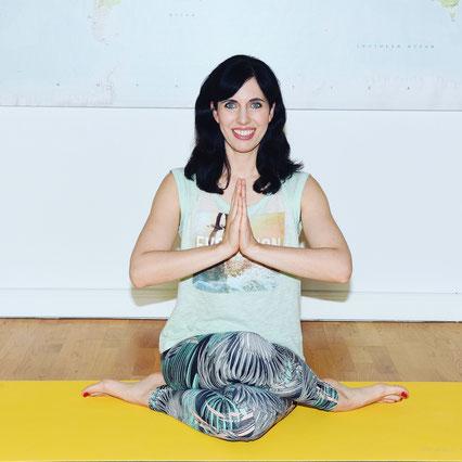 Yoga-Mama Kathrin Mechkat MOMazing Yoga Mama Mami Blog Yogamama