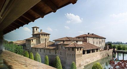 Visit Pagazzano Castle - Casa San Giorgio Holiday House