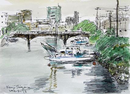 横浜市神奈川区・竜宮橋付近の船