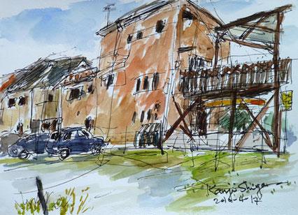 茅ヶ崎市・イタリア風のベネチアンレッドの家