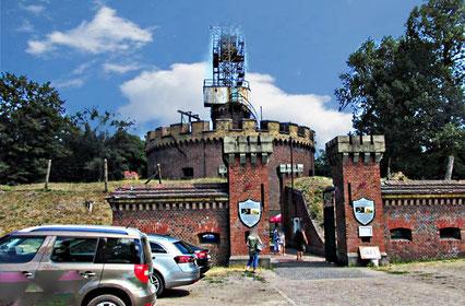 """Das Fort Aniola in Swinmünde. Im Volksmund wird die Befestigungsanlage auch als """"Engelsburg"""" bezeichnet."""