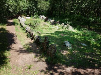 Ensemble mégalithique formant un lieu de culte : Le jardin aux moine à Brocéliande en bretagne